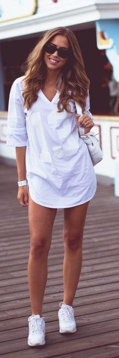 ~Estradeur White Sporty Printed V-neck Shirt Dress by Kenzas | The House of Beccaria~