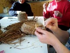 Nancy Today: Coiled pine needle basket tutorial 1 (pine needle 5)
