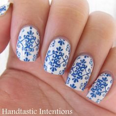 Handtastic Intentions: Nail Art: Blue and White Ceramics Inspired