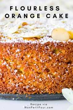 Flourless Orange Cake Recipe: a gluten-free cake made with fresh whole oranges and almond meal. A winter dessert that's simple … Dessert Sans Gluten, Bon Dessert, Gluten Free Sweets, Gluten Free Cakes, Gluten Free Baking, Quick Dessert, Dessert Healthy, Gluten Free Almond Cake, Flourless Orange Cake