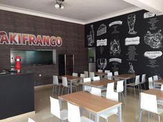 Luanda conta com um novo restaurante: AKI frango!! Decoração de interiores #pontocriativodesign