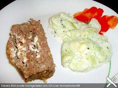 Griechischer Hackbraten und Gurkensalat mit Joghurt (Rezept mit Bild) | Chefkoch.de