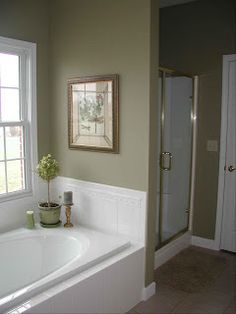 48 Ideas For Diy Bathroom Pictures Paintings Benjamin Moore Bathroom Paint Colors, Paint Colors For Living Room, Olive Green Bathrooms, Bathroom Green, Olive Bedroom, Walker House, Home Gym Decor, Bathroom Pictures, Trendy Home
