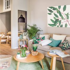 Most Stylish Chic Living Room Decorating Ideas With Latest Look Living Pequeños, Chic Living Room, Living Room Colors, Home Living Room, Living Room Decor, Interior Design Living Room Warm, Family Room Design, Design Bedroom, Living Room Inspiration