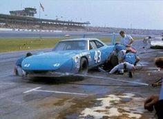 Petty Plymouth #43 Pit Stop @ Daytona