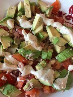 mes plats IG bas -  miette de thon, avocat, tomates, salade