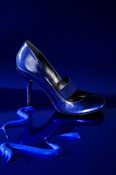 blue.quenalbertini: All in blue   Joni Express Blue Bayou, Blue Aesthetic, Something Blue, Blue Moon, Blue Fashion, Fashion Shoes, Electric Blue, Blue Shoes, Blue Pumps