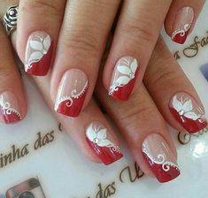 Decorated nails: trends in manicure for Autumn / Winter # nails decorated - Best Nail Art Nail Tip Designs, Acrylic Nail Designs, Nails Design, Fancy Nails, Red Nails, Cute Nails, Holiday Nails, Christmas Nails, Christmas Nail Art Designs