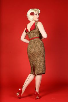 Last Mad Men fashion post of the day. I'll add that I have this dress in red and it fits like a glove. Bettie Page clothing is wonderfully figure flattering.