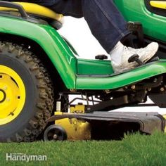 Lawn tractor and Lawn mower maintenance and tubeless tire repair. Lawn Mower Maintenance, Lawn Mower Repair, Best Lawn Tractor, Lawn Tractors, Sharpen Lawn Mower Blades, Blade Sharpening, Tubeless Tyre, Lawn Equipment, Garden Equipment