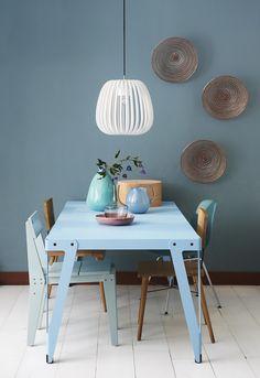 Blue dining area | Styling @fietjebruijn | Photographer Dennis Brandsma | vtwonen April 2015