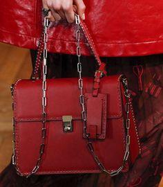 Catalogo borse Valentino Primavera Estate 2017 - Handbag rossa Valentino