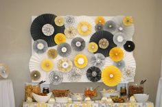 yellow-grey-snack-table-ensemble-52578-3.jpg (900×598)