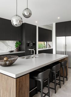 Kitchen // The Signature by Metricon Riviera, on display in Sorrento, QLD.