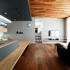 Pin on インテリア Restaurant Interior Design, Modern Interior Design, Interior Architecture, Living Room Interior, Home Living Room, Mobile Home Porch, Patio Grande, Space Interiors, Paint Colors For Living Room