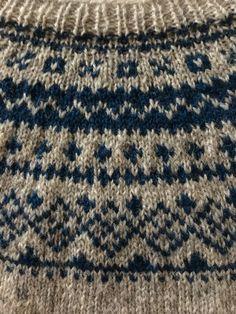 Knitting Charts, Loom Knitting, Knitting Patterns Free, Norwegian Knitting, Icelandic Sweaters, Nordic Sweater, Yarn Ball, Fair Isle Knitting, Drops Design