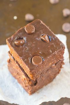 Healthy 2 Ingredient Flourless Brownies made with NO boxed mix- Just bananas and cocoa powder- Fudgy, gooey and so healthy!