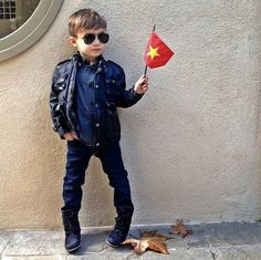 'World's Most Fashionable 5-Year-Old' Becomes Instagram Sensation - DesignTAXI.com
