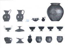 Fig. 12 - Corredo tombale da Trevignano Romano (da Arte e civiltà degli Etruschi 1967).