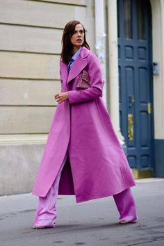 The Best Street Style From Paris Fashion Week Spring 2018 Fashion week Paris/ Best street style Look Street Style, Street Style Trends, Mode Outfits, Fashion Outfits, Womens Fashion, Workwear Fashion, Fashion Clothes, Paris Street Fashion, Tokyo Fashion
