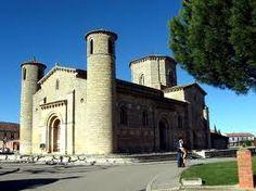 Iglesia San Martín de Tours, Palencia. España. Estilo Románico (S. XI). Fue construida por orden de doña Mayor de Castilla, como parte de un Monasterio de San Martín