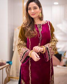Pakistani Formal Dresses, Pakistani Fashion Party Wear, Pakistani Wedding Outfits, Pakistani Dress Design, Bridal Outfits, Bridal Dresses, Fancy Dress Design, Stylish Dress Designs, Sleeves Designs For Dresses