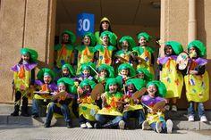 """Carnaval 2011 """" Els oficis"""" - Escola Llibertat - Picasa Web Albums"""