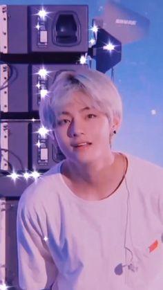 Kim Taehyung Funny, V Taehyung, Bts Blackpink, Bts Bangtan Boy, Bts Dancing, Bts Korea, V Bts Wallpaper, Bts Funny Videos, Bts Playlist