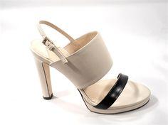 Sandalo in vitello bicolor, con fascetta stretta sul piede e fascia pi