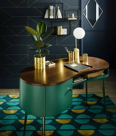 Amazing interior design trends to keep up with, lovely decor for your home! Click the photo to find out more! Condo Furniture, Furniture Styles, Modern Furniture, Furniture Design, Art Deco Decor, Room Decor, Bureau Design, Casa Rock, Home Goods Store