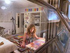 Beatriz Chachamovits (@beatrizchachamovits) • Instagram photos and videos Artist At Work, Loft, Photo And Video, Bed, Videos, Photos, Furniture, Instagram, Home Decor