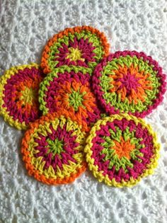 FREE Pattern for Oh So Colorful Summer Coasters - Lakeview Cottage Kids