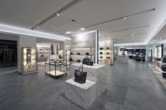 Upgrades include the addition of escalators, air conditioning and premium fixtures and finishes throughout. Also central to this design is enhancement of the customer experience with inspiring spaces and dynamic visual merchandising.