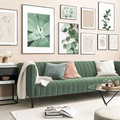 Toile Design, Sofa Design, Living Room Green, Art For Living Room, Living Room Wall Colors, Plants In Living Room, Living Room Gallery Wall, Mint Living Rooms, Nordic Living Room