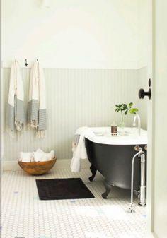beadboard walls, subway tiles, coal-black tub, turkish towels and a little touch of greenery make for a perfect bathroom - Nickey Kehoe Estilo Interior, Home Interior, Bathroom Interior, Eclectic Bathroom, Bathroom Styling, Bad Inspiration, Bathroom Inspiration, Interior Inspiration, Home Design Decor