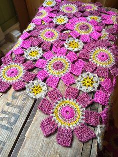 Eclectic Gipsyland. Pure Pinspiratio! . ☀CQ #crochet #crochetflowers