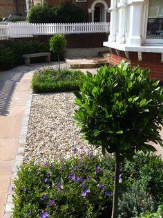 Wimbledon low maintenance front garden