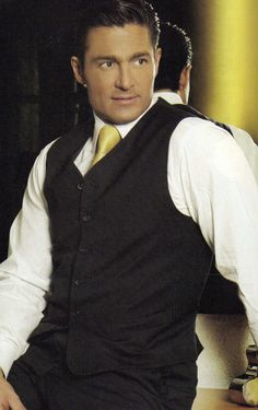 I love Fernando Colunga  one of the best actors in telenovela history!