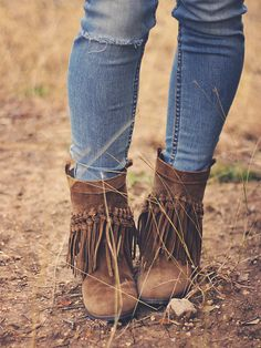 Casual Boho outfit on Roots and Feathers <3
