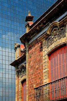 Reforma, Mexico DF. The old and the new...