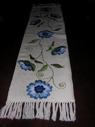 bordado de caminos de mesa con lana - Buscar con Google