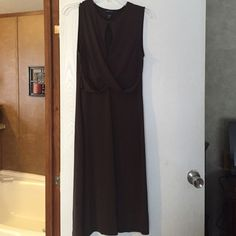 Size Large brown dress Size large brown dress, comes just below the knee, looks amazing on! Only wore two times. Moda International Dresses Midi