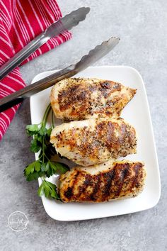 These grilled chicken breasts make a simple main dish, and you can make them on the stovetop with agrill pan. They also make a great make-ahead food prep option to eat from all week. #simplechickendishes