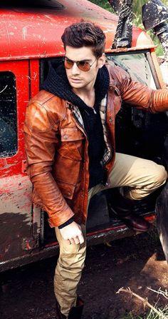 Men with a vintage look - leather jacket & shades⋆ Men's Fashion Blog - TheUnstitchd.com