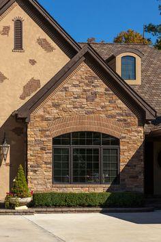 Glen Gery Cedar Lake Thin Brick With Glen Gery Landmark Stone Sonoma Glen Ridge Pair Beautifully Together On This Michigan Home