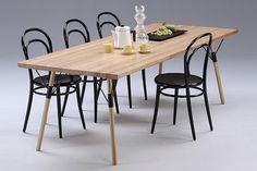 Muoto2 lanzó una línea de mesas de madera para comedor que ilustra las ideas centrales de la empresa en Finlandia.  #muebles #furniture #inspiración #diseño #design #tables #mesas #wood #madera #modern #home #homestyle #homedecor #decoración #interiorismo #sillas