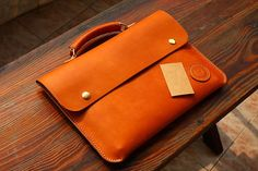 Leather 13 macbook case Leather casepersonalized by SoGoods, $129.00 Leather Gifts, Leather Bags Handmade, Leather Case, Leather Purses, Leather Handbags, Leather Wallet, Leather Bag Tutorial, Ipad Bag, Leather Briefcase