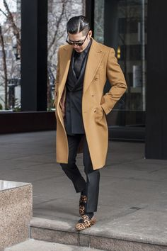 99 Fascinating Camel Coat Outfit Ideas For 2019 - Camel Coat Outfit, Summer Jacket, Dapper Gentleman, Popular Dresses, Suit And Tie, Swagg, Well Dressed, Coats For Women, Winter Fashion