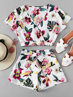 To find out about the Floral Print Wrap Top With Shorts at SHEIN, part of our latest Two-piece Outfits ready to shop online today! Crop Top Outfits, Cute Casual Outfits, Cute Summer Outfits, Fall Outfits, Teen Fashion Outfits, Outfits For Teens, Girl Fashion, Fashion Dresses, Teenager Outfits