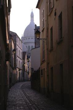 Rue de Sacre'Coeur, Montmartre, Paris  my most favorite place in the world...